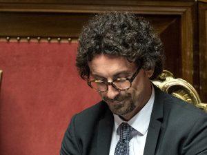 Toninelli sconfitto ancora: il nuovo capogruppo M5s al Senat