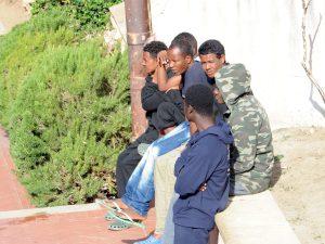 """Hotspot di Lampedusa sovraffollato, Lamorgese annuncia allargamento del centro. FI: """"Inammissibile"""""""