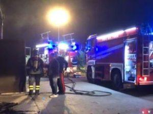 Rifiuti: incendio in deposito Amia Foggia, distrutti tre com