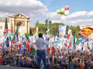 """La Questura smentisce Salvini: """"200mila persone in piazza? N"""