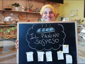 """Prato, l'iniziativa di una giovane fornaia: un """"panino sospe"""
