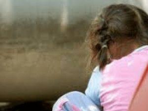Rimini, manda al pedofilo la foto della figlia, poi si sente