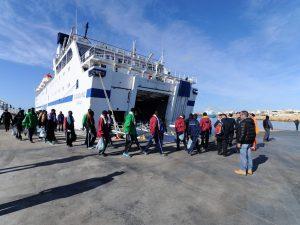 Migranti, sbarchi senza sosta: a Lampedusa arrivano 20 perso