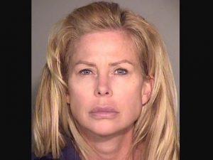 USA, mamma di 47 anni fa sesso con gli amici 14enni del figl