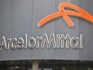 Ex Ilva, ArcelorMittal sospende la chiusura degli impianti