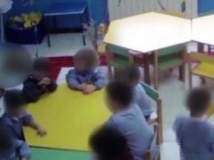 Cosenza, bimbi tra i 3 e i 5 anni picchiati e umiliati in cl