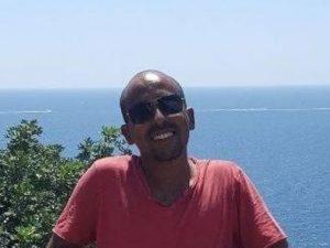 """Fuggito dall'Eritrea si è laureato in scienze politiche a Bari    """"Voglio aiutare i"""