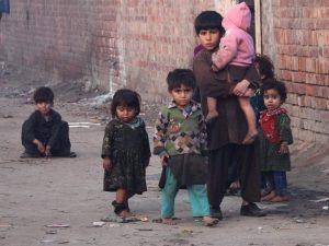 Ogni giorno muoiono 15mila bambini sotto i 5 anni: una batta