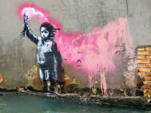 Acqua alta a Venezia: il murale di Banksy finisce sott'acqua