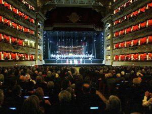 """Teatro alla Scala di Milano, svolta """"green"""": le luci della p"""