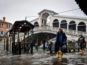 Acqua alta a Venezia, ci risiamo: la marea si avvicina ai 10