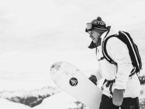 È morto Jake Burton, il pioniere e inventore dello snowboard