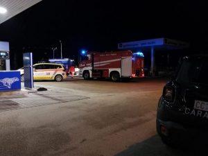 Fermo, esplode distributore di benzina. Un morto