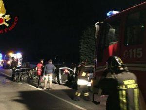 Incidente Sulmona |  scontro frontale tra auto sulla statale 17 |  padre e figlio morti