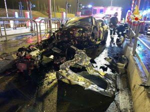 Incidente Livorno: morto poliziotto, si è schiantato contro