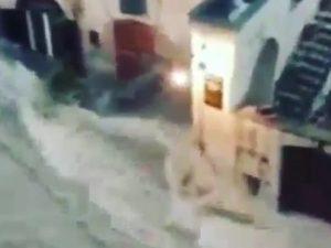 Maltempo: nubifragio e strade allagate a Matera, acqua alta