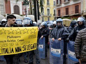 Le sardine e l'ossessione per Salvini come unico collante (anche se è all'opposizione)