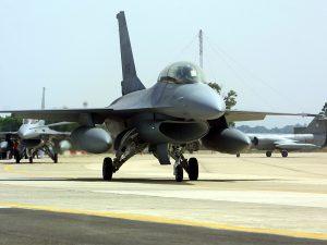 Spese militari, ok all'acquisto di 9 aerei Piaggio e al rinn