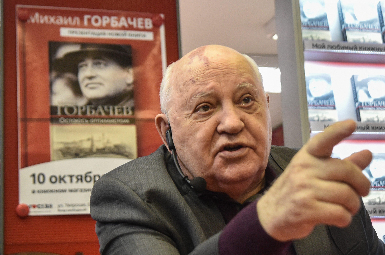 Mikhail Gorbaciov ricoverato in ospedale per una polmonite