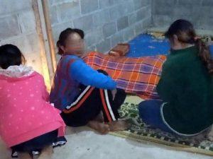 Papà senza fissa dimora cede le sue coperte alla figlia di 8