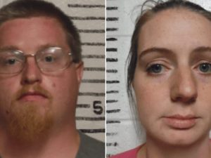 Violentano figlia di 2 anni: ergastolo. Volevano stuprare anche la loro ...