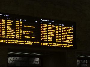 Terremoto Firenze, treni cancellati e in ritardo: come chied