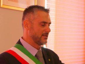 """Il consigliere comunale lascia Fdi: """"Voglio salvare i migran"""