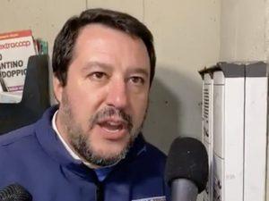 Blitz al citofono, tutti i reati che Salvini ha collezionato