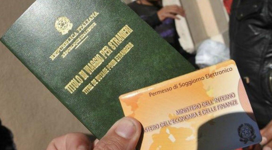 Parma, immigrati pagavano per falsi contratti e permesso ...