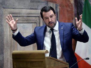 Gregoretti, Giunta per le immunità manda a processo Salvini: