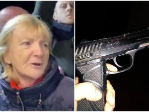"""La donna del citofono di Salvini? Chiama la pistola """"amica M"""
