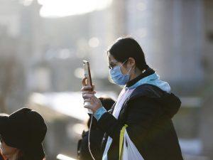 Coronavirus, continuano i furti di mascherine e igienizzanti