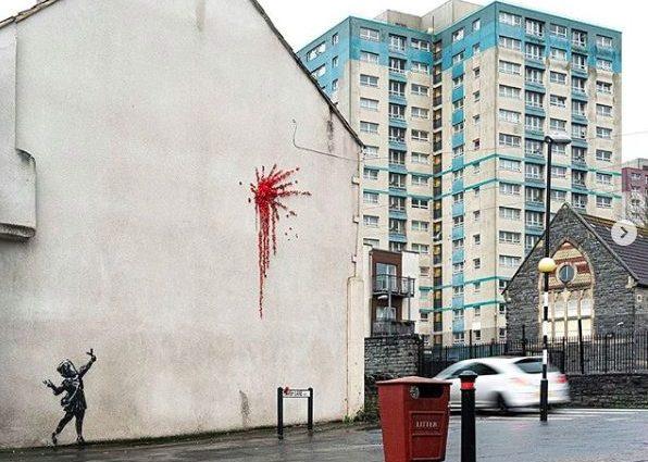Banksy a San Valentino regala alla sua Bristol il cuore infranto di Cupido