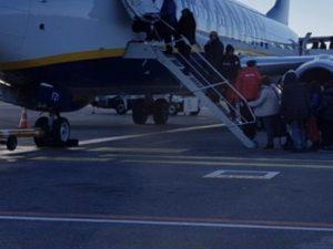 Problemi su volo Catania Bologna, aereo costretto ad atterra