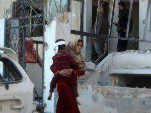 Siria, sempre peggio: bombe contro scuole a Idlib, 21 bambin