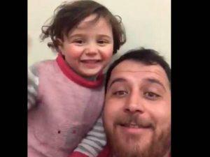 Siria, l'eroe è il padre che insegna a ridere delle bombe