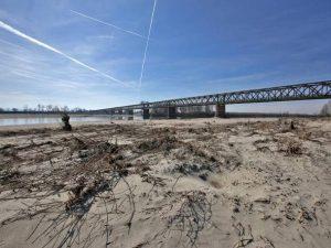 Allarme siccità in tutta Italia: il fiume Po è ai livelli di