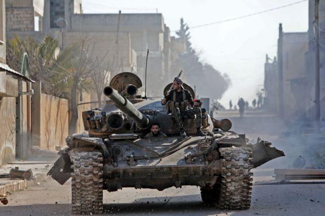 Caos Siria, strage di soldati turchi. Ankara apre le frontie