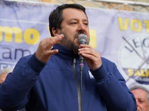 """Coronavirus, Salvini: """"Conte vuole far ricadere colpe e resp"""
