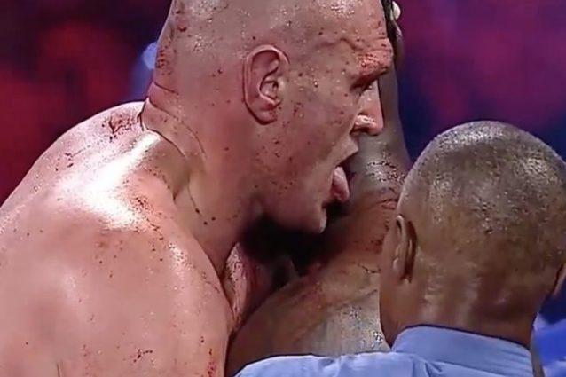 Boxe, Tyson Fury torna campione del mondo, batte Wilder e le