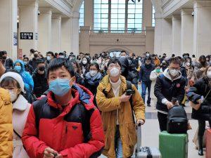 Coronavirus: due terzi dei casi dalla Cina sarebbero sfuggiti ai controlli