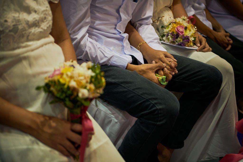 Coronavirus, il governo vieta i matrimoni, i battesimi e le cresime