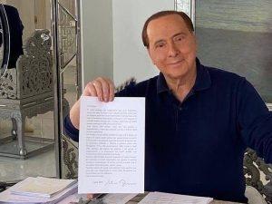 """La lettera di Berlusconi ai sindaci: """"Approfittiamo di quest"""