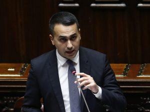 """Di Maio alla Camera: """"Dall'estero arrivate 30 milioni di mas"""
