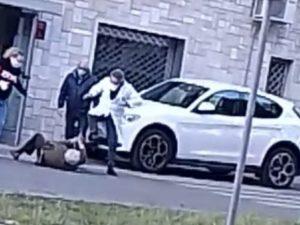 Lecce, dottore litiga col paziente anziano e lo prende a sch