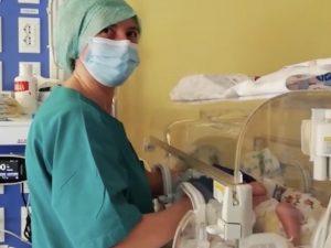 Intubata e priva di coscienza per 2 giorni, neonata guarita