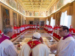 Papa Francesco chiede offerte per l'emergenza Covid 19 ai ca
