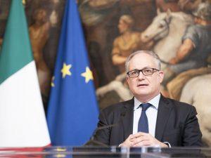 """L'allarme dell'Istat: """"Shock economico senza precedenti. In"""