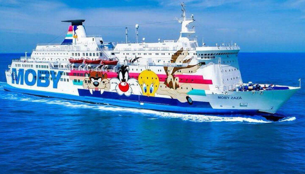 Tragedia sulla Moby Zazà, migrante si tuffa in mare dalla nave ...