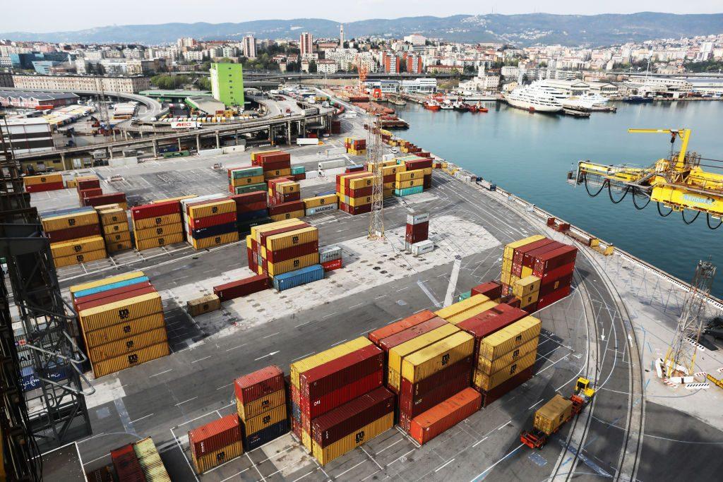 Proteste contro il Green Pass nei porti: cosa succede se i portuali di Trieste si fermano